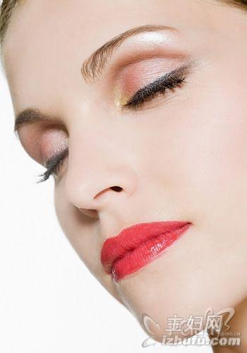 从口红颜色也能透露女人性格?