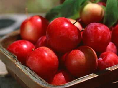 晚上吃苹果等于吃砒霜_这样吃苹果竟然等于吃砒霜