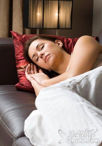 保持警惕_警惕!22种让女人变老不良睡法