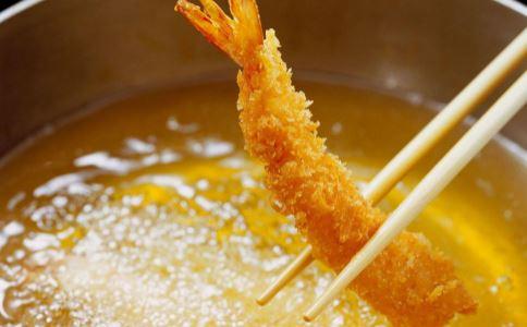 【炎热的夏季语录】炎热的夏季 老年人最好少吃的食物