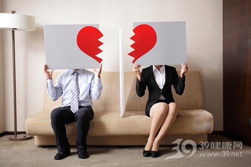 恋爱中的犀牛_恋爱中 女人最不能容忍的五大点