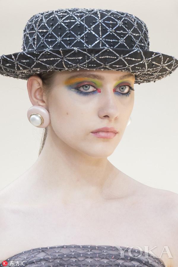 纽扣珍珠耳环