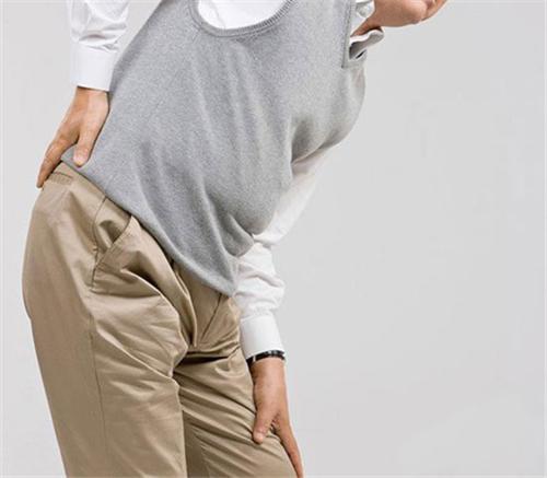[手指关节突然肿痛]关节突然肿痛 可能是痛风发作了