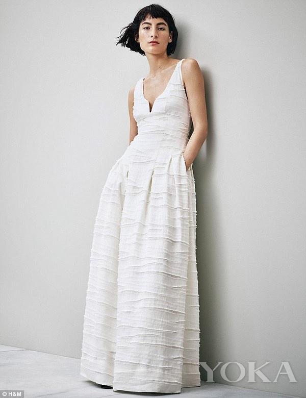 H&M曾经推出的婚纱系列,图片来自Daily Mail。