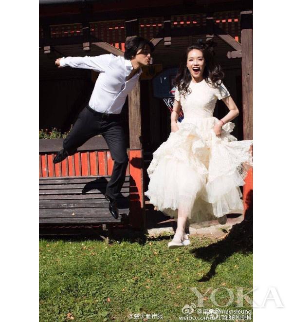 舒淇婚纱照,图片来自楚天都市报微博。