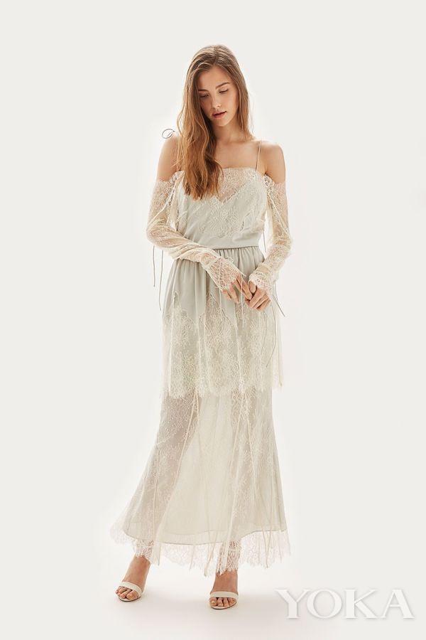 Topshop 淡绿色蕾丝婚纱礼服,£450.00,可购于topshop.com,图片来源于官网。