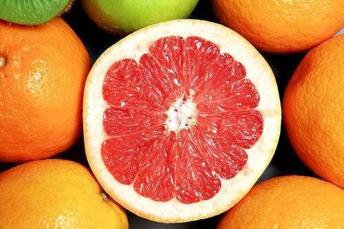 [柚子的英文]柚子的营养价值高 秋季多吃柚子对身体好