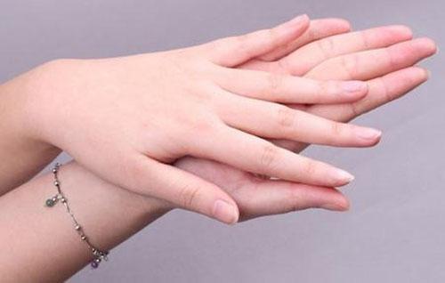 指甲看病图解 指甲也能看病 指甲上出现了这些情况要多关注