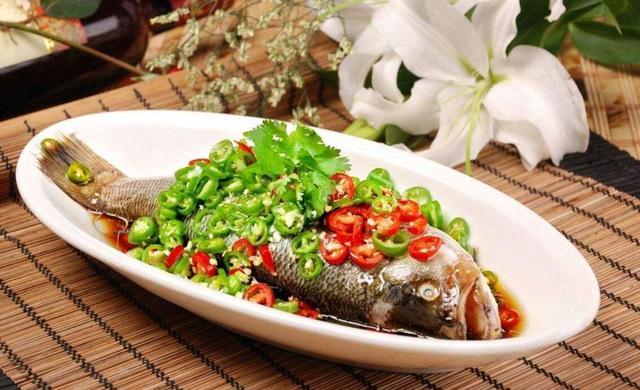 【胃不好的人吃什么养胃】胃不好吃什么养胃 鲈鱼刺少又养胃