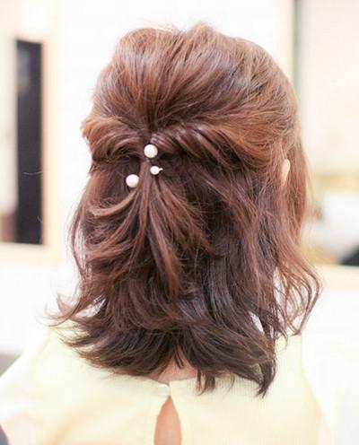 短发适合扎什么发型