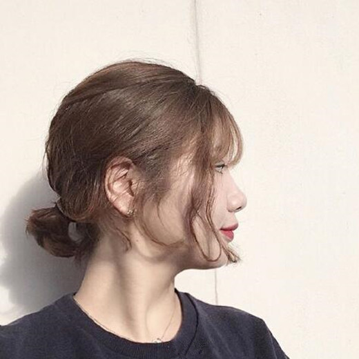 什么脸型适合短发 短发扎什么发型好看