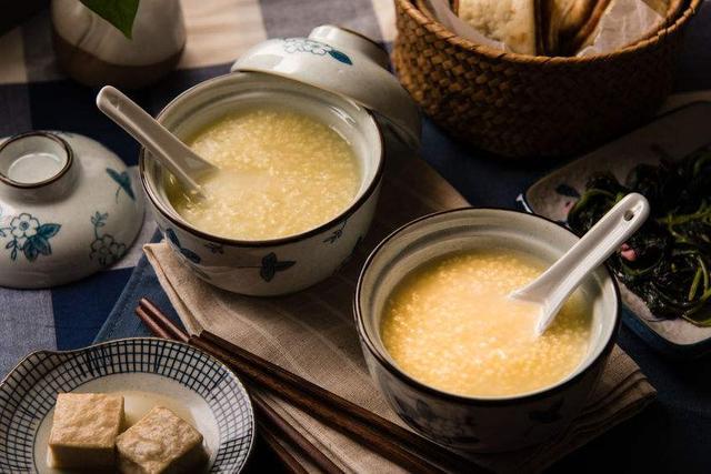 小米的功效是什么意思_小米的功效是什么 小米粥这样熬更有营养