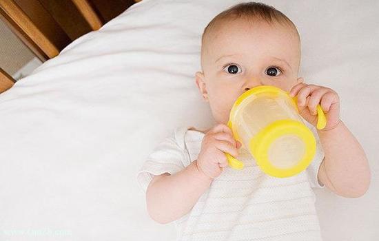【冬天宝宝发烧怎么物理降温】冬天宝宝发烧怎么物理降温
