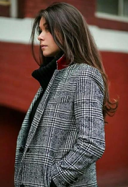 格纹大衣搭配 卫衣搭大衣好看吗