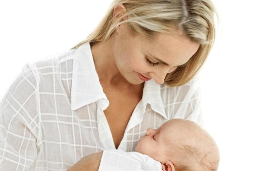 冬天宝宝可以断奶吗 冬天宝宝可以断奶吗 冬天断奶易影响生长发育