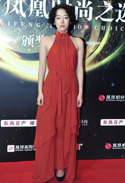 2017凤凰时尚之选颁奖盛典红毯 谭松韵清新宋轶用力过猛