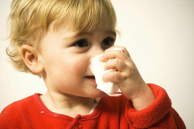 【为什么天气一冷就容易流鼻血】为什么天气一冷就容易流鼻涕
