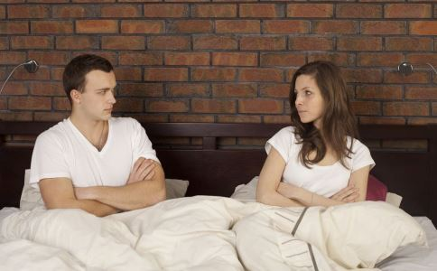 女人出轨有哪些表现 女人出轨的原因 女人出轨男人咋办