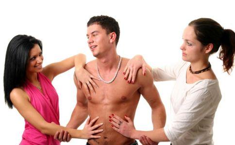 男人婚外恋的心理 男人有了外遇怎么办 妻子该如何对待出轨老公