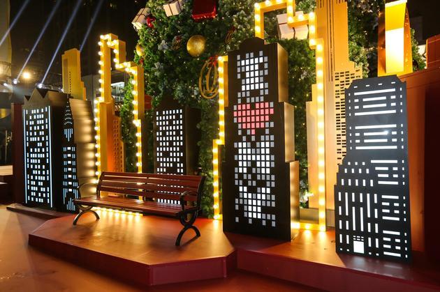 卡地亚圣诞树-纽约城景拍照互动区