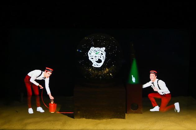 卡地亚全息迷你剧院 精彩呈现由Cartier Boy帅气演绎的冬日迷你剧