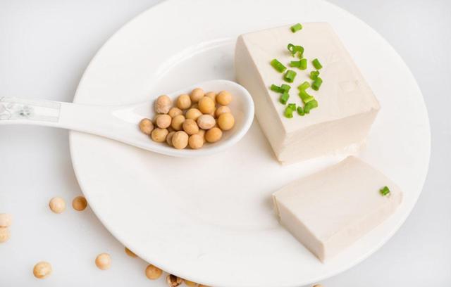 【怎么预防乳腺疾病】如何预防乳腺疾病 大豆类十字花科类食物作用大