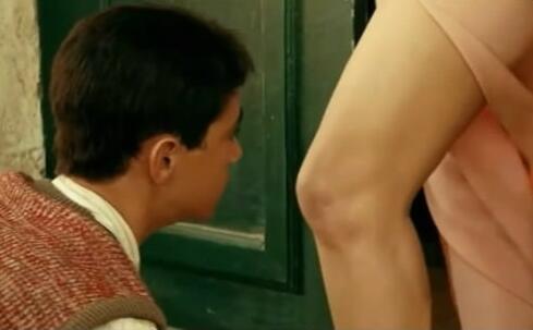 男人为韦德娱乐平台总是痴迷于女性的大长腿?