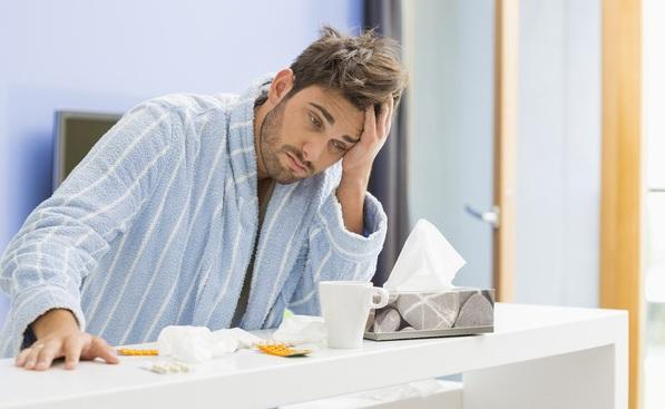 头痛的原因_头痛别忽视 一男子反复头痛三天心跳骤停险丧命