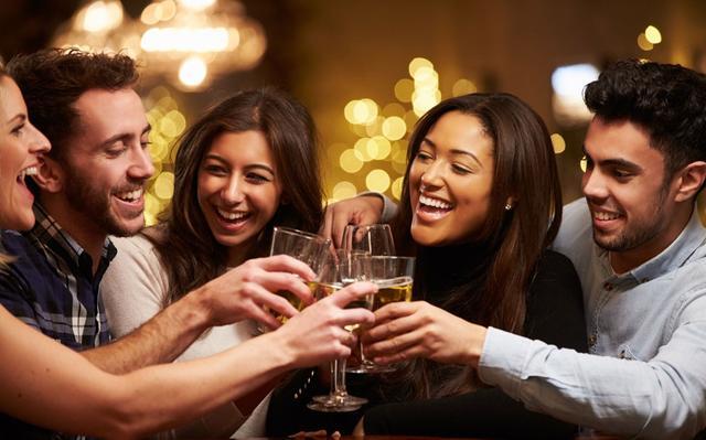 苗年节|年节临近 控制饮酒以防胃肠难受