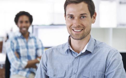 如何处理与同事的关系 如何和同事处理好关系学学职场心理学很有必要