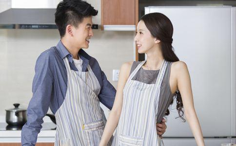 男人爱你的表现 如何让男人爱上你 男人喜欢你的表现