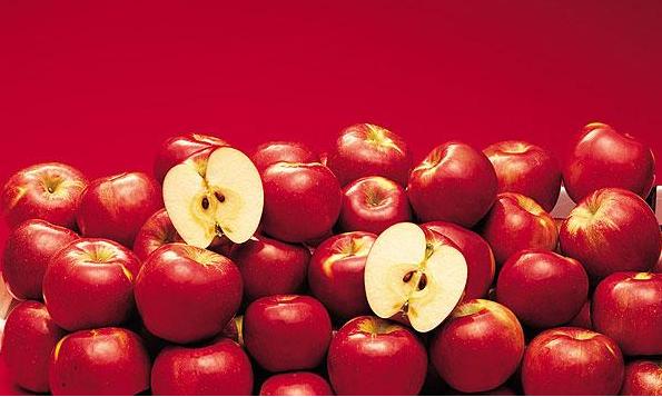 [吃中药能吸烟吗]吸烟人士多吃苹果 每天三个苹果减少吸烟伤害