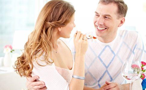 男人爱你的表现 如何让男人更爱你 男人喜欢你的表现