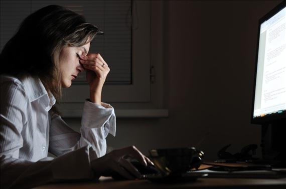 熬夜伤身体不如通宵图|经常熬夜太伤身体 这样是损伤补觉都难恢复
