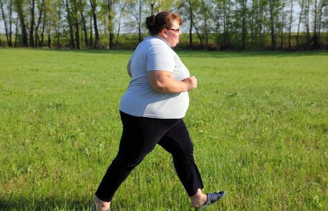 你知道吗?肥胖可从多个环节导致女性不孕