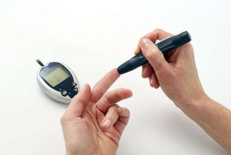 """【糖尿病患者不能吃什么食物】糖尿病患者""""福利"""",3种食物常吃,解馋还控糖,疗效胜似胰岛素!"""