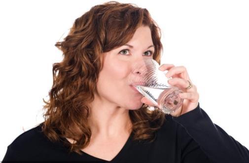 喝水讲究多 正确喝水对身体好处多