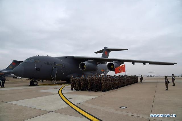 """Trung Quốc điều 11 máy bay quân sự chở hàng nghìn quân y """"giải cứu"""" Vũ Hán - 2"""