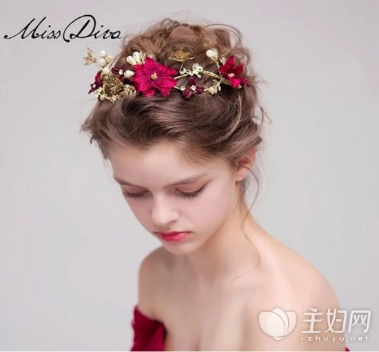 西式配红新娘盘发 西式新娘发型搭配中式发饰美出天际