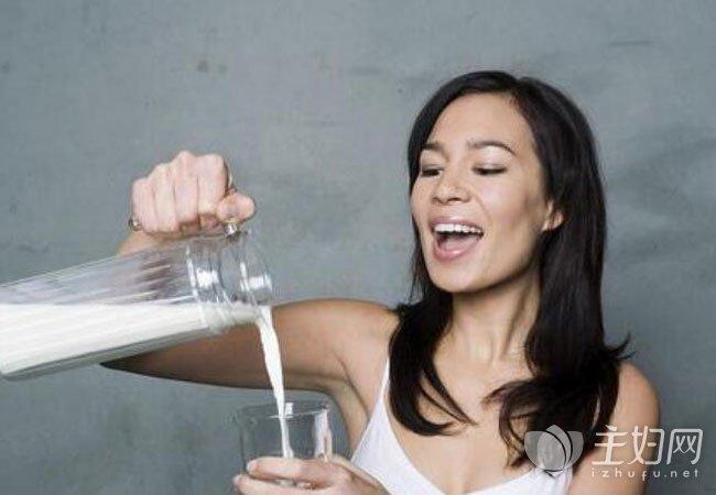 【孕妇奶粉几点喝最佳】孕妇喝奶粉的最佳时间 孕妇喝奶粉需要注意哪些问题