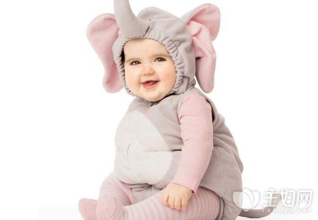 连体衣适合多大宝宝穿|宝宝穿连体衣好吗 宝宝多大能穿连体衣需要注意什么吗
