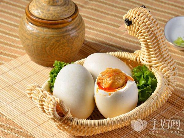 鸭蛋不能和什么一起吃吗_鸭蛋不能和什么一起吃 吃鸭蛋的禁忌