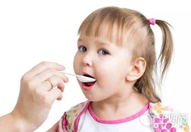 宝宝上吐下泻吃什么药