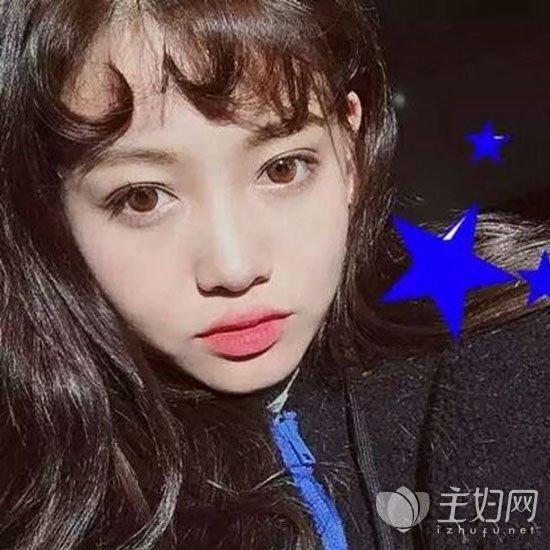 卷刘海发型图片