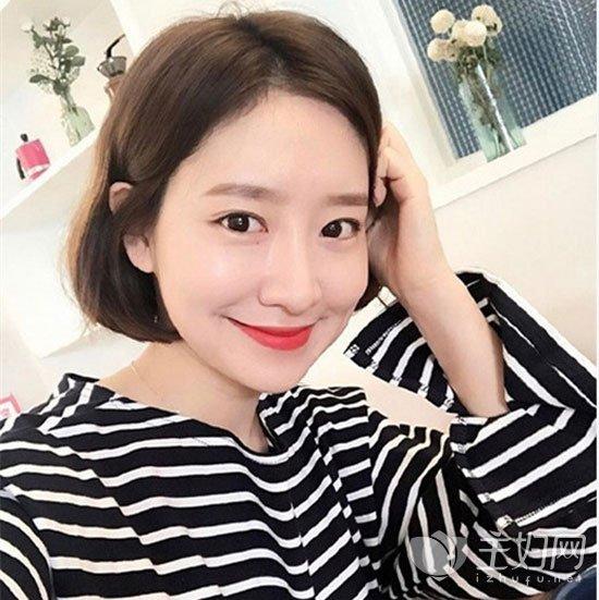 齐脸短发修颜瘦脸 2017年流行短发女生发型图片