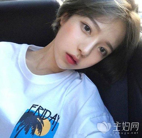 韩式短发显脸瘦齐耳瘦脸齐耳尾巴修颜发型短发图片烫发短发图片