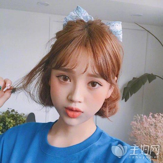 美发小编想要告诉你2018的流行发型中短发一定是不可或缺的一款.图片