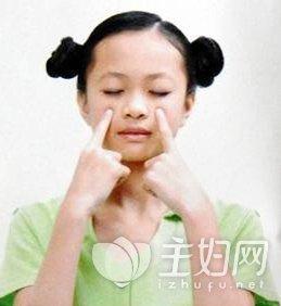 美白小窍门100妙招_学生妹的美白小窍门 按摩+饮食省钱又实用