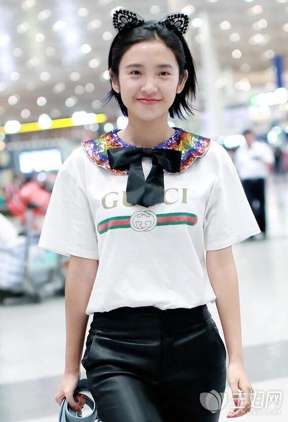 唐艺昕最新机场街拍