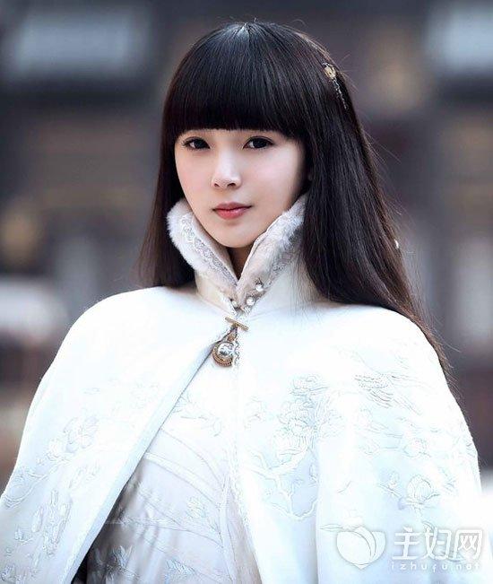 陈瑶齐刘海发型